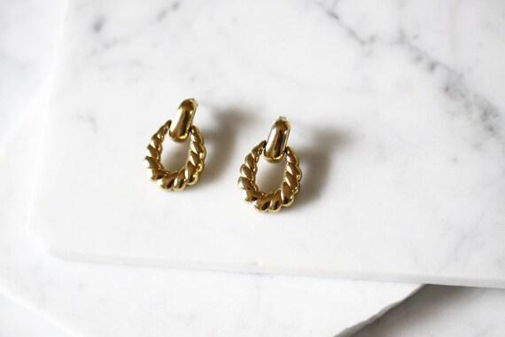 1980s gold link earrings // 1980s earrings // vintage earrings