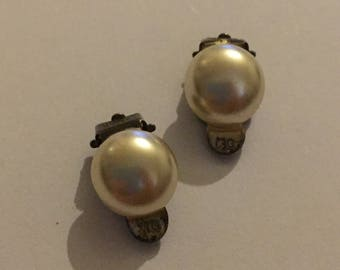 Vintage Sterling Silver Ivory Pearl Clip On Earrings Signed WG