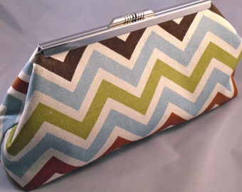 Canyon Chevron Clutch