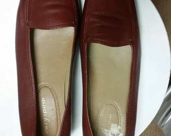 Vintage leather Easy Spirit loafers, made in Brazil, 7B.
