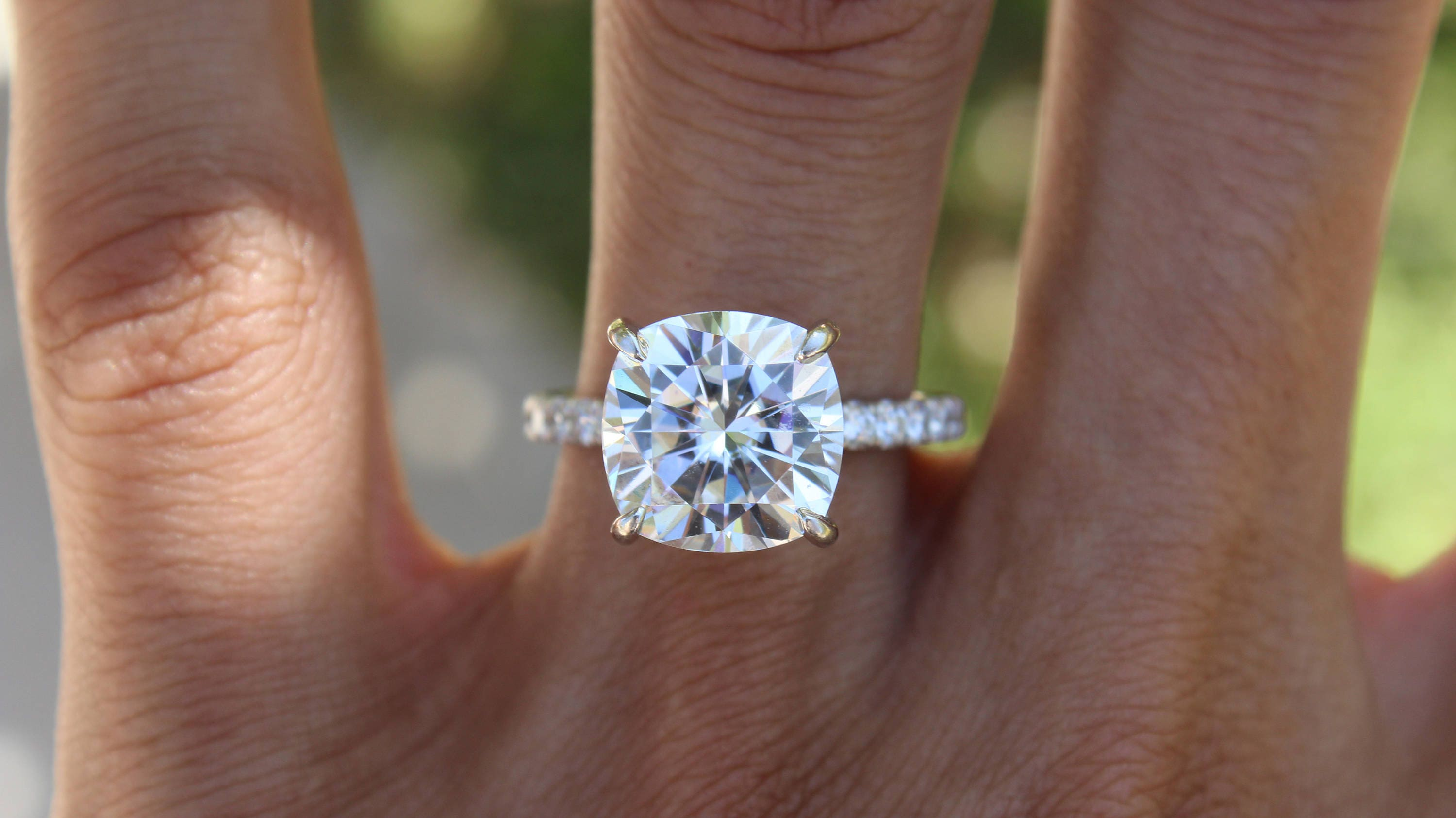cushion tw forevermark ring in diamond halo engagement cusion platinum