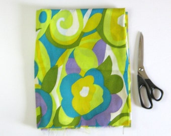 1.5 Yards Vintage Flower Print Fabric - Cotton Crepe Print - Citrus Green Floral Print - Flower Power Groovy Fashion Fabric - Sewing Project