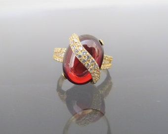 Vintage 18K Solid Yellow Gold Garnet Cabochon & White Topaz Pave Ring Size 7.5