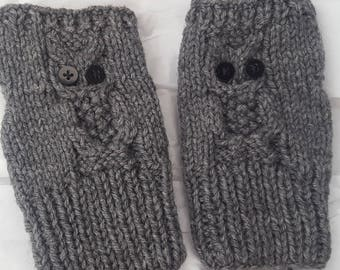 Fingerless owl mitts