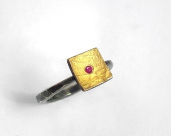 Modern minimal gold and silver square ring with a ruby and a hammered oxidized band, Geometric ring, Handcrafted ring, Textured ring