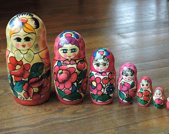 Vintage Hand Painted Wood Russian Nesting Stacking Dolls Matryoshka Set of Seven  (7) Dolls