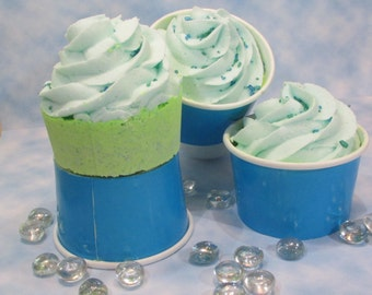 Lemongrass Bath Bomb Cupcake, Bubblebath Fizzie with a Fresh Scent, Gift Under 10, Spa Party Favors for Girls Night, Bubbling Bath Bomb