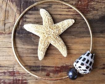 Dark Blue Pearl and Hebrew Shell Gold Fill Bangle, Hammered Gold Filled Hawaii Jewelry, Stacking Beach Bangles, Beachy Boho Mermaid Summer