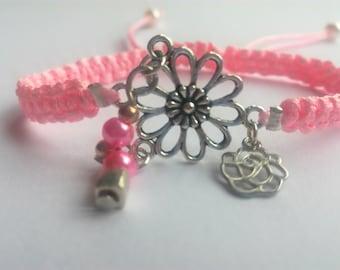 Macrame pink flower bracelet