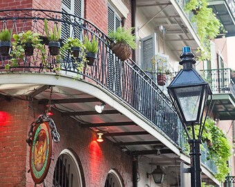 Travel Print, New Orleans Wall Decor, French Quarter Art, Photography Print, Wall Art Home Decor, Streetlamp, Pirates Alley, Louisiana Gift