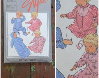 Vintage pattern, 1980's babies dressmaking pattern, Style, 4520, Babies sleepwear, Printed paper pattern, Boy / girl Romper suit/ sleep suit