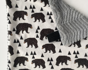 GEO BEAR >> baby boy blanket, baby girl blanket, soft cuddle blanket, minky blanket, stroller blanket, faux fur blanket, pla
