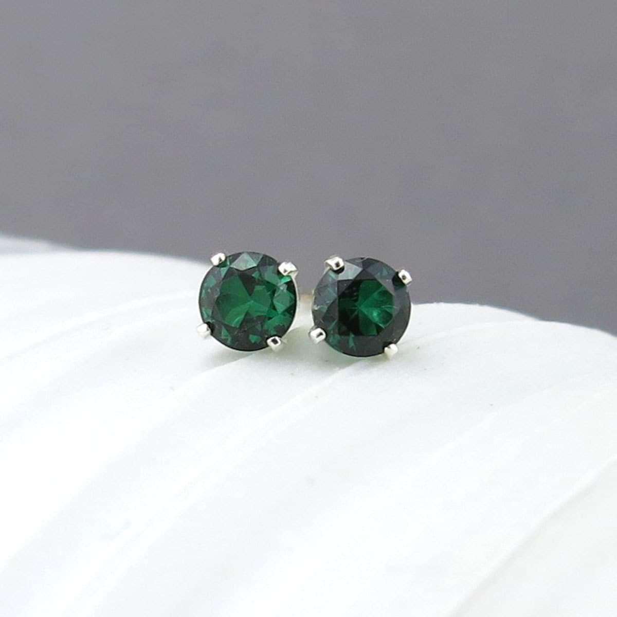 at emrald studs earrings baroque green online buy ear jivaana gold emerald oval stud je