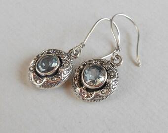 Awesome sterling silver Dangle Earrings genuine blue Topaz gemstone/ Silver 925 / Balinese Jewelry / 1.15 inch long (#2352e)
