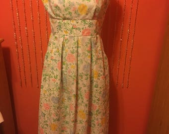 1950's floral print dress with pockets
