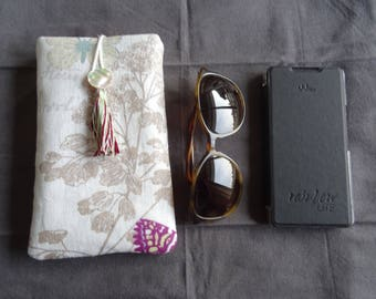 Quilted and lined linen fabric for large sunglasses and cell case;