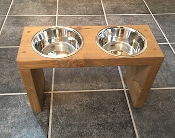 how to build a dog feeding stand