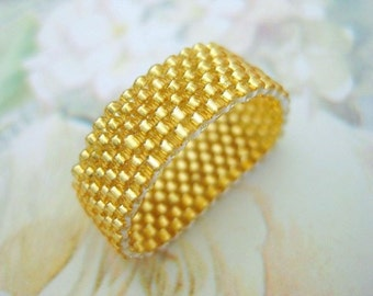 Peyote Ring / Beaded Ring in Silver Lined Gold /  Seed Bead Ring / Gold Ring / Size 4, 5, 6, 7, 8, 9, 10, 11, 12 13 / Peyote Band / Thin