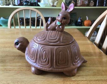 Vintage Twin Winton tortoise and hare cookie jar