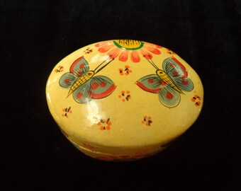 Indian Mache Kashmir Trinket Box, Secret Treasure / Keepsake Box with Butterflies Made In India