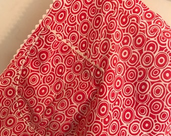 Peppermint Swirls - Vintage Red & White Feedsack Apron with Rick Rack - A Classic 1950s Apron!