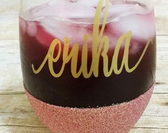 Personalized wine glass - Bridesmaid gifts - Glitter wine glass - Custom Wine glasses -