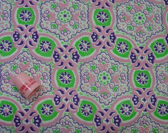 Vintage Feedsack Fabric, Beautiful Design Pink, Green, Purple 32 x 37""