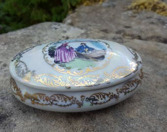 French Limoges trinket box / Limoges box / Vintage porcelain trinket box / French trinket box / Porcelain box / China  box / Boudoir box