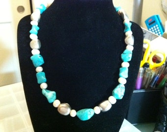 Magnesite and Freshwater Pearl Bead Necklace