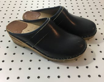 Vintage Swedish Leather Clogs- Navy Mules Eur 36- size 6