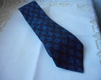 stunning vintage French mans Pierre Cardin Paris silk neck tie