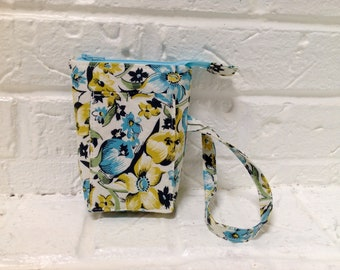 iTOVi Case / Water-Resistant iTOVi Bag / fabric zippered pouch for iTOVi / essential oils scanner pouch / small divided blue floral pouch