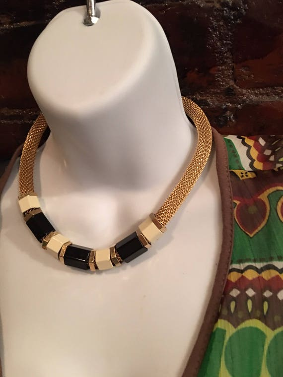Stylish 70's Vintage Goldtone Mesh Choker Necklace with Large Cream & Black Enamel Beads