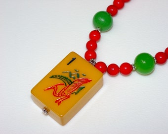 Mah Jong Necklace / Bakelite / Vintage / Mah Jong Tile / Crane / Bird / Picture Tile / Coral / Jade / Colorful / Fun / Unusual Gift / Asian