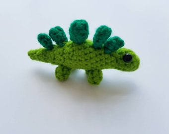Dinosaur toy / Stegosaurus toy / Stuffed animal / amigurumi dinosaur / mini dinosaur / Crochet dinosaur /