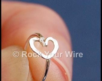 Heart Hoop / Heart Earring / Tiny Cartilage Hoop Earring / Body Jewelry / Tragus Hoop / Helix Hoop