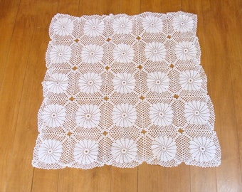 """Gorgeous crochet large table doilie-old hand made flowers table linen - 29"""" square - old victorian country farm house"""