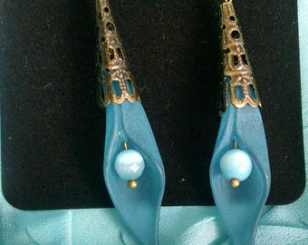 Cerulean flower earrings