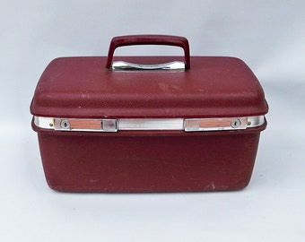 1970s Burgundy Aspen Molded Plastic Traincase - Made by Samsonite for JC Penney