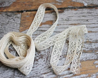 3.5+ Yards Antique Ivory Lace Trim with Diamond and Flower Pattern