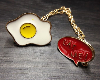 Sunny Side Up Fired Egg with Eat Me Text Enamel Collar Pin Jewelry Accessories for Women Brooches_003