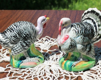 Charming Vintage Turkey Salt Pepper Shakers Tom and Hen Made In Japan