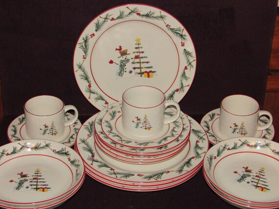 Farberware Holiday Snowman Dinner Set for 4 & Snowman Dinnerware Sets - Unique Christmas Decorations