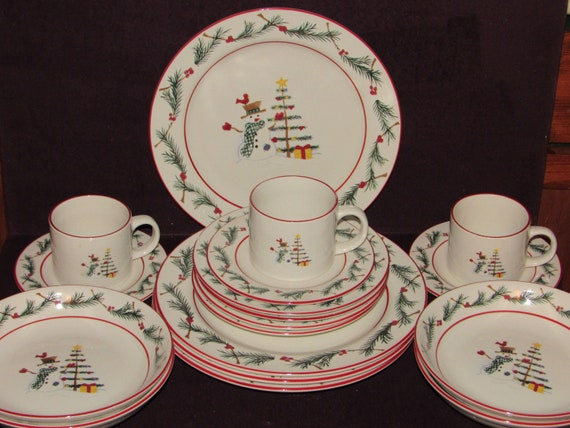 Farberware Holiday Snowman Dinner Set for 4