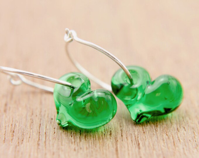 Emerald Green Earrings, hand made with glass and sterling silver, lamp work bead by Destellos - Glass Art & Accessories, READY TO SHIP