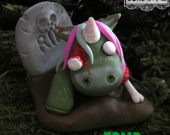ZOMBicorn HORRORcorn GOREnament, Zombie Horror, Living Dead, Cult Classic Horror, Undead Unicorn, Unicorn.