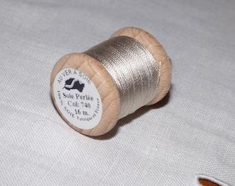 Spool of 16 meters of silk beaded No. 740