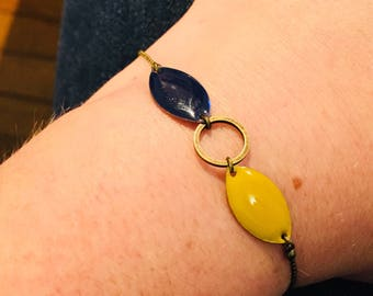 Shades of blue and yellow mustard chain brass bracelet