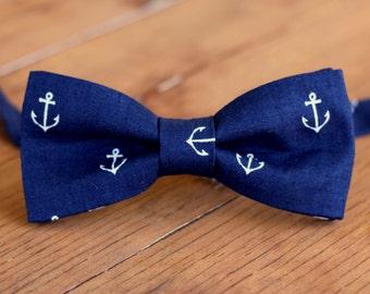Boys Navy Bow Tie - Boys anchor bow tie - nautical bow tie - blue white anchors - toddler bow tie - baby boy bow tie - boys cotton tie