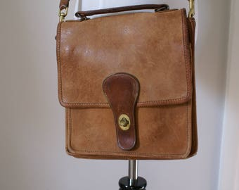 Vintage iconic authentic Coach leather bag 1970s-1980s